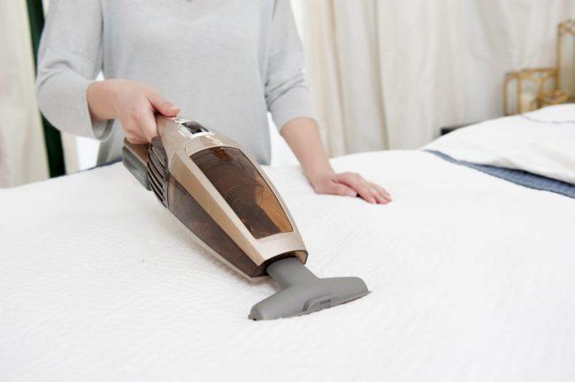 maneras de limpiar el colchon|como limpiar el colchon manchas